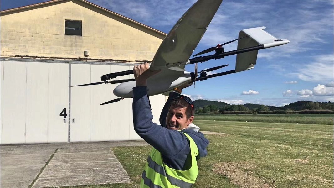 New VTOL Drone 180Mins Endurance 180Km Range 2.5M Wingspan Mapping and Military Surveillance